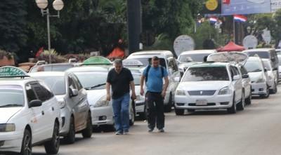 Llegada de Uber en CDE es ilegal, según taxista