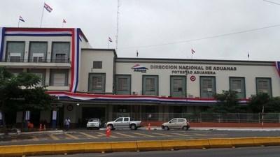 """Administraciones aduaneras del país trabajarán este sábado para """"mejorar metas presupuestarias"""""""