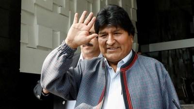 Argentina confirma estatus de refugiado a Morales, lo que impide extradición