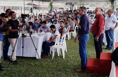 El trabajo es el único camino para que progrese el Paraguay, afirma presidente