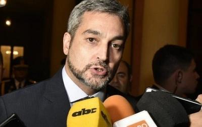 Abdo Benítez se compara con Trump y responde a críticas