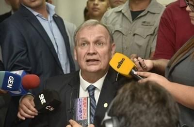 Mario Ferreiro renunció al cargo de intendente de Asunción