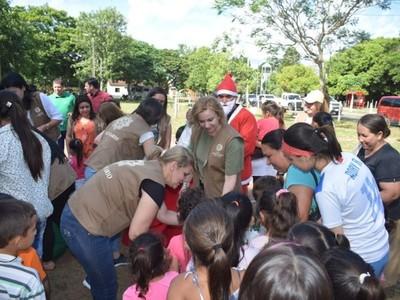 Con apoyo de la EBY, campaña 'Regalo de Amor' llegó con obsequios para los niños de Misiones