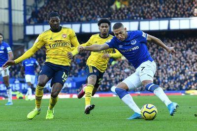 Everton y Arsenal empatan