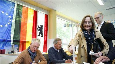 Croacia elige presidente en un clima de paridad entre tres candidatos