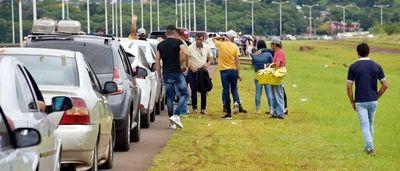Miles de compatriotas llegan el fin de semana desde Argentina