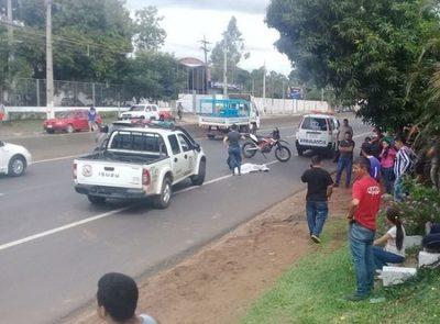 Mujer de 77 años muere tras ser arrollada por camioneta