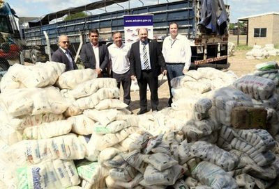 Aduanas entrega toneladas de mercaderías a varias instituciones