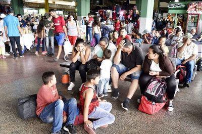 Dinatran pide no abordar los  buses fuera de las terminales