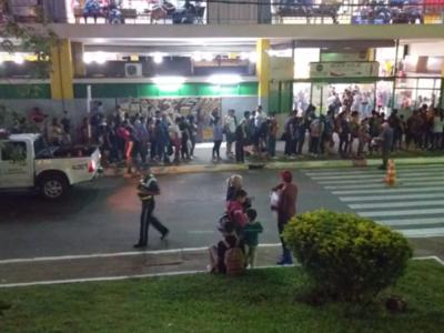 Esperan que unas 60 mil personas pasen hoy por la Terminal de Asunción