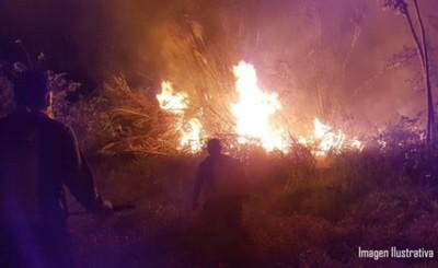 Vecinos queman vivienda de presunto microtraficante
