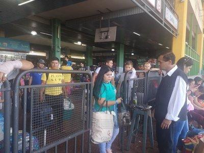 180.000 pasajeros pasaron por la Terminal de Asunción, tras liberación de horario de buses