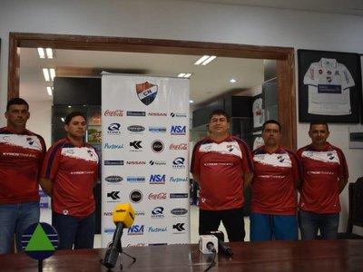 Nacional presenta al Tiburón Torres