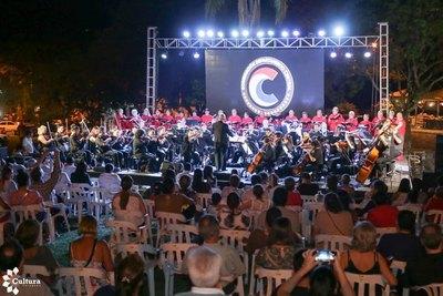 "Areguá recibió a la gira nacional ""Flores del Paraguay"""