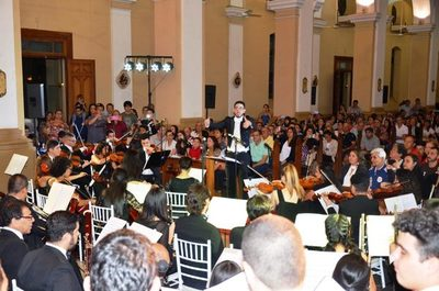El Coro de Niños y la Orquesta Sonfónica ofrecieron un gran show navideño •