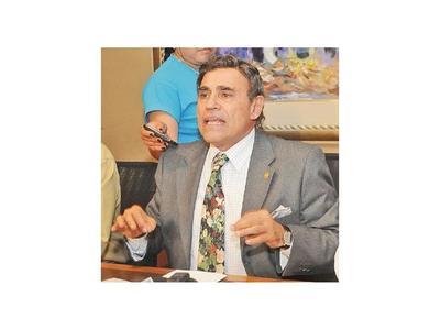 Marito desoye a científicos y nombra a Felippo en Conacyt