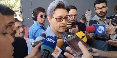 Camilo declara en Fiscalía y dice que Nenecho no debió asumir