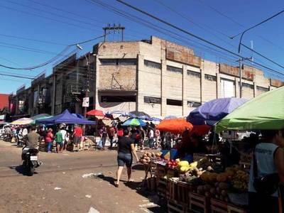 Compras navideñas generan gran movimiento comercial en Luque •