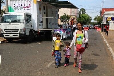 Ciudad Mujer Móvil ofreció más de 33.000 atenciones a mujeres durante este año