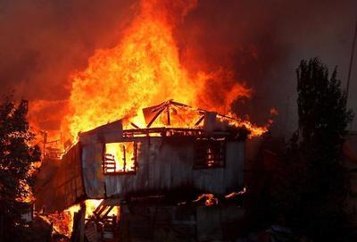 150 casas destruidas por incendio de grandes proporciones en Chile
