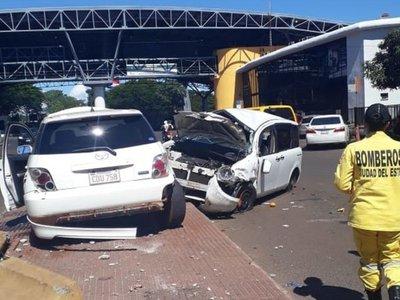 Un herido tras triple choque en zona del Puente de la Amistad