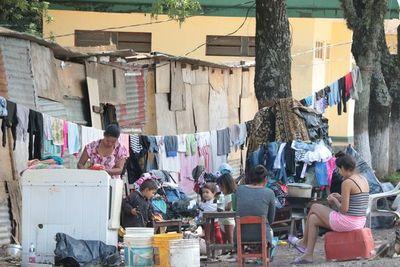Proponen plan familiar de desarrollo en el marco de la lucha contra la pobreza
