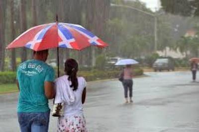 Jornada calurosa con lluvias y tormentas eléctricas
