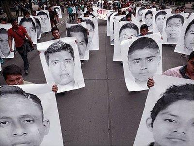 Los 43 estudiantes de Ayotzinapa habrían sido dispersados en varios puntos