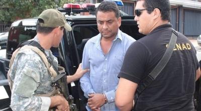 """HOY / """"Chicharõ"""" sufre atentando en Amambay: desconocidos interceptaron y balearon su camioneta (blindada)"""