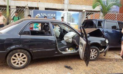Menores provocaron accidente con automóvil robado