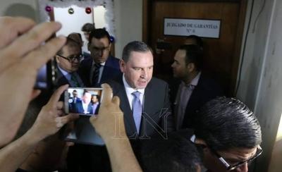 HOY / El proceso por lesión de   confianza continúa contra   senador Zacarías Irún