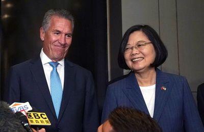 Presidenta de Taiwán, popular gracias a críticas chinas y a la crisis en Hong Kong