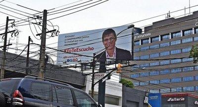 A pesar de las denuncias de la Fiscal Electoral, Brunetti no estaría violando ninguna ley electoral