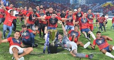 Con paraguayos, Wilstermann es campeón, pero el título está en duda
