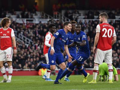 Chelsea aprovecha los errores del Arsenal y lo amarga en cuatro minutos