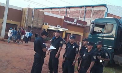 En O´Leary se movilizan contra golpe de la junta municipal