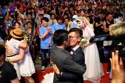 Una plataforma video gay y lésbica hace temblar los tabús en Asia