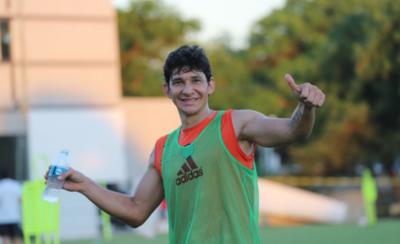 HOY / En Olimpia hay que ganarse un lugar, afirma Pedro Ballota