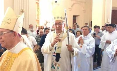 HOY / ¿Arzobispo pide tolerar a parejas del mismo sexo? La  Iglesia dice: se malinterpretó