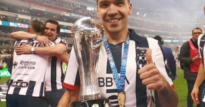 Celso Ortiz levantó la  Copa en charrolandia