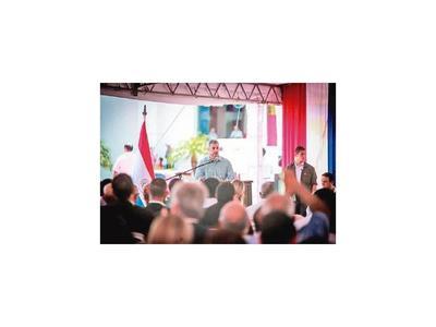 Abdo Benítez afirma  que lo critican  por intereses políticos