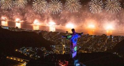 Río recibió el 2020 con nuevo récord de asistencia en su fiesta de fin de año