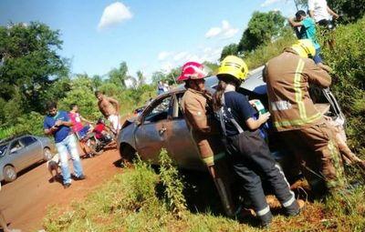 Dos aparatosos vuelcos en Carapeguá dejan heridos leves
