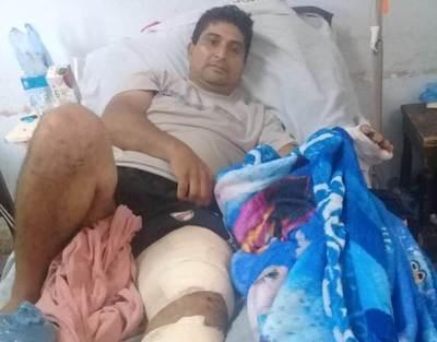 Víctima de accidente sigue esperando asistencia de quien lo chocó