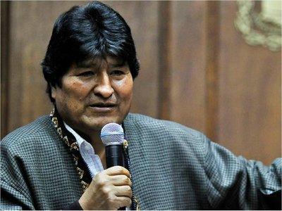 Evo pide que asuma el presidente del Tribunal Supremo en Bolivia