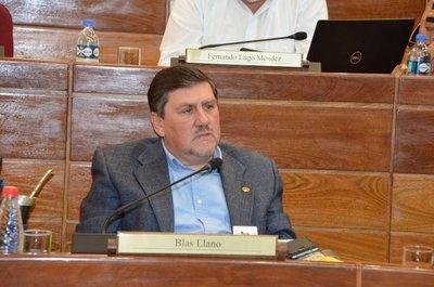 Pacto político pone a Blas Llano como presidente del Congreso