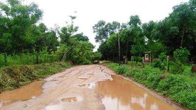 Unas 6 comunidades están aisladas en San Pedro por el mal estado de los caminos