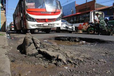 Presentarán minuta para que comuna de Asunción pague daños por baches
