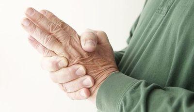Solicitan se apruebe ley para tratar la artritis