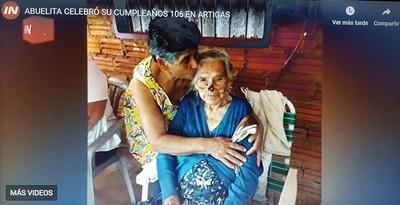 Abuelita cumplió 106 años de vida rodeada de su familia